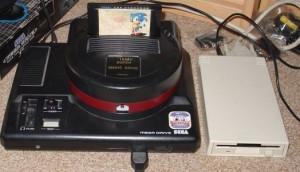 Super Magic Drive, un costosísimo aparato que permitía volcar juegos de MegaDrive a disquettes.